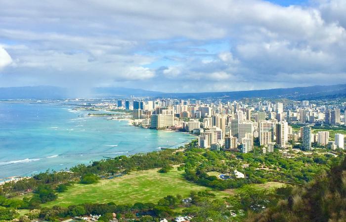 15 Things to Do on Oahu | Diamond Head Hike