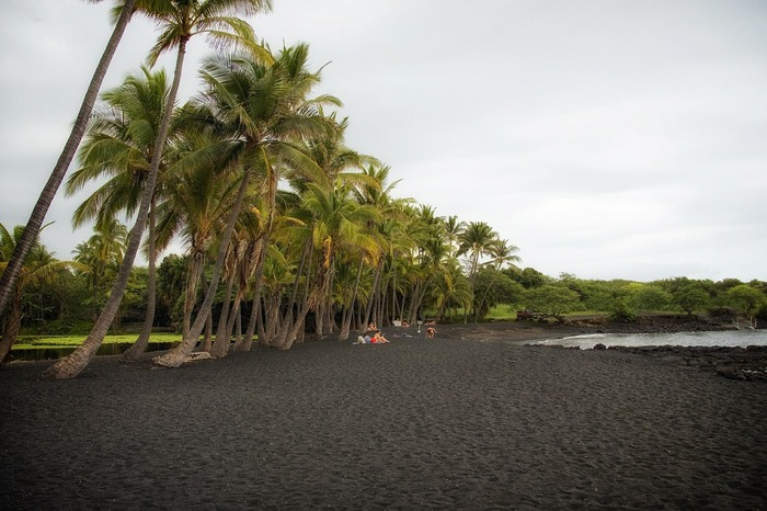 The very best things to do on Hawaii: black sand beach