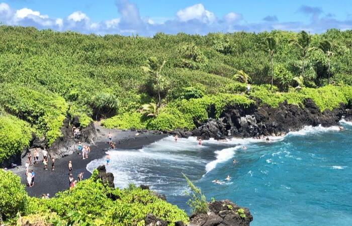 Maui vs Kauai